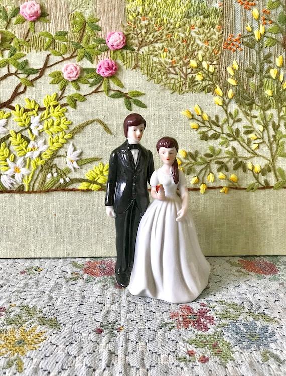 Cake Topper Wedding Cake Topper Vintage Wedding Cake Topper Bride And Groom Cake Topper Gift For Bride Wedding Cake Decorations Ceramic