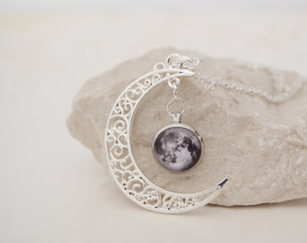 Solar System Necklace Silver Crescent Moon Pendants Moon Necklace Crescent Moon Charm Jewelry Galaxy Moon Necklace Nebula Science Necklace