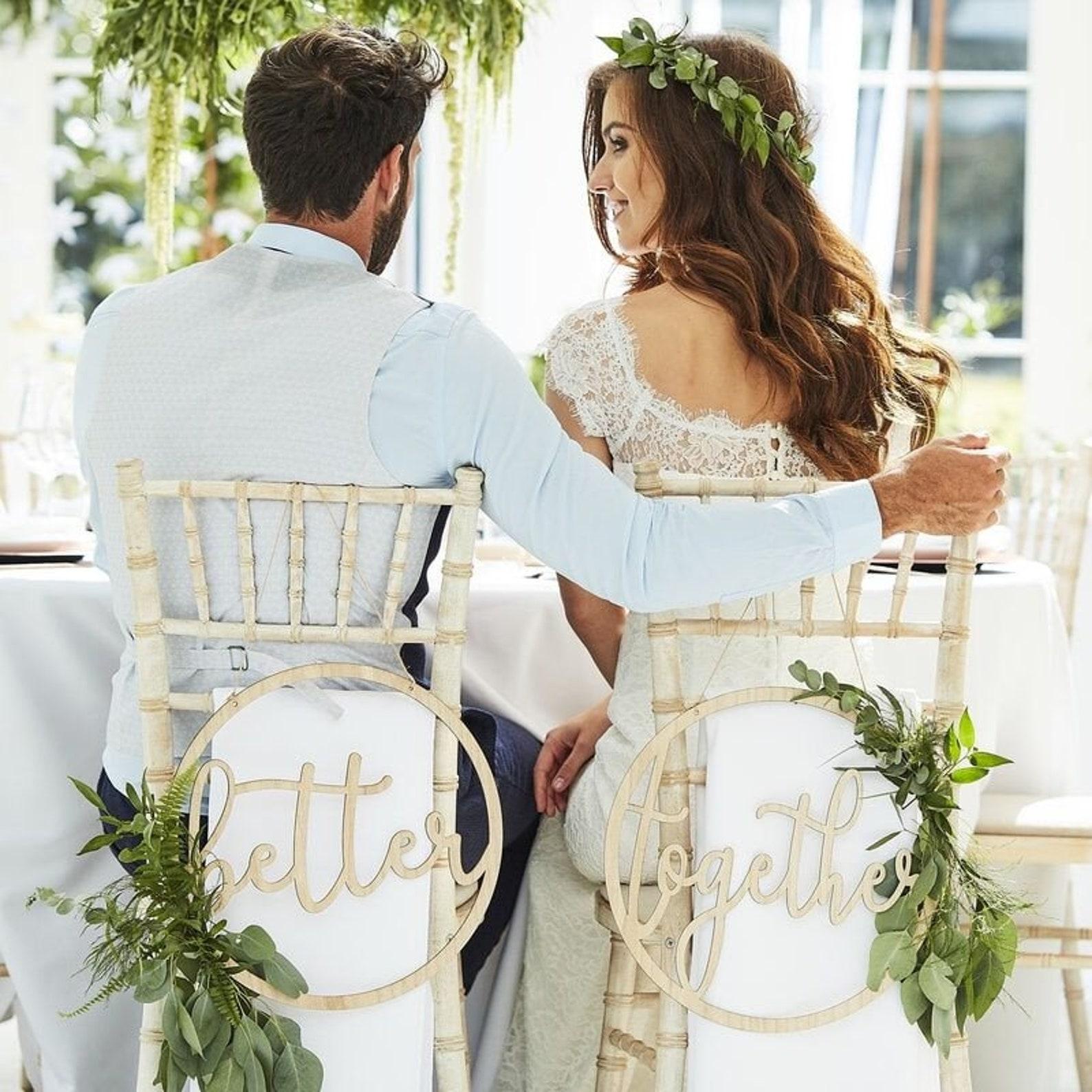 Hochzeit Stuhldeko Schild