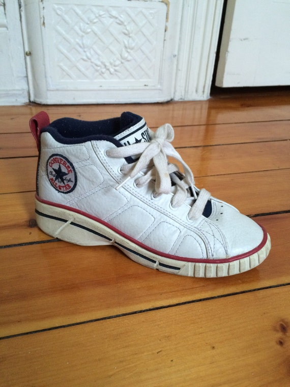 c5c023a16ef857 Items similar to Rare 90s Converse All-Star 2000 Leather Red and White Size  7 Women s Size 5 Men s on Etsy