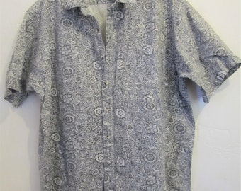 A Men's Neat Vintage 80's,Gray Short Sleeve,FLORAL Print Shirt By H.I.S.L