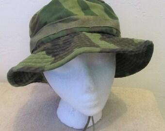 A Vintage 80's era,CAMO Military BOONIE Type Sun Hat.M