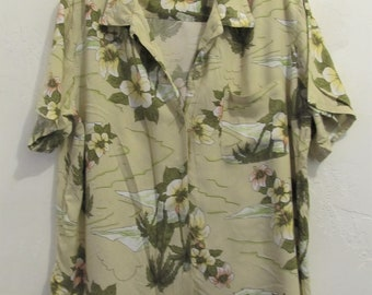 A Women's GROOVY Vintage 90's,Beige Short Sleeve,Rayon FLORAL Hawaiian Type Blouse By White Stag.XL