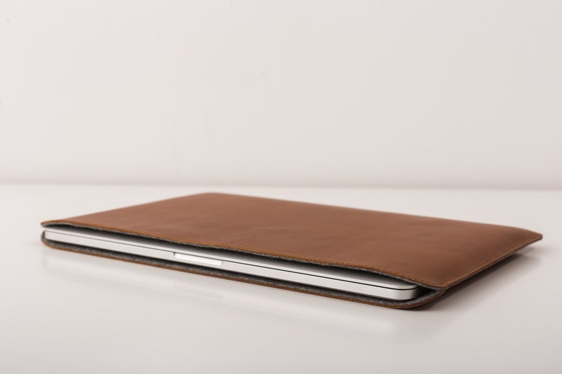 MacBook pro leather sleeve  Laptop sleeve from premium full-grain leather  MacBook air case  Apple accessoriess