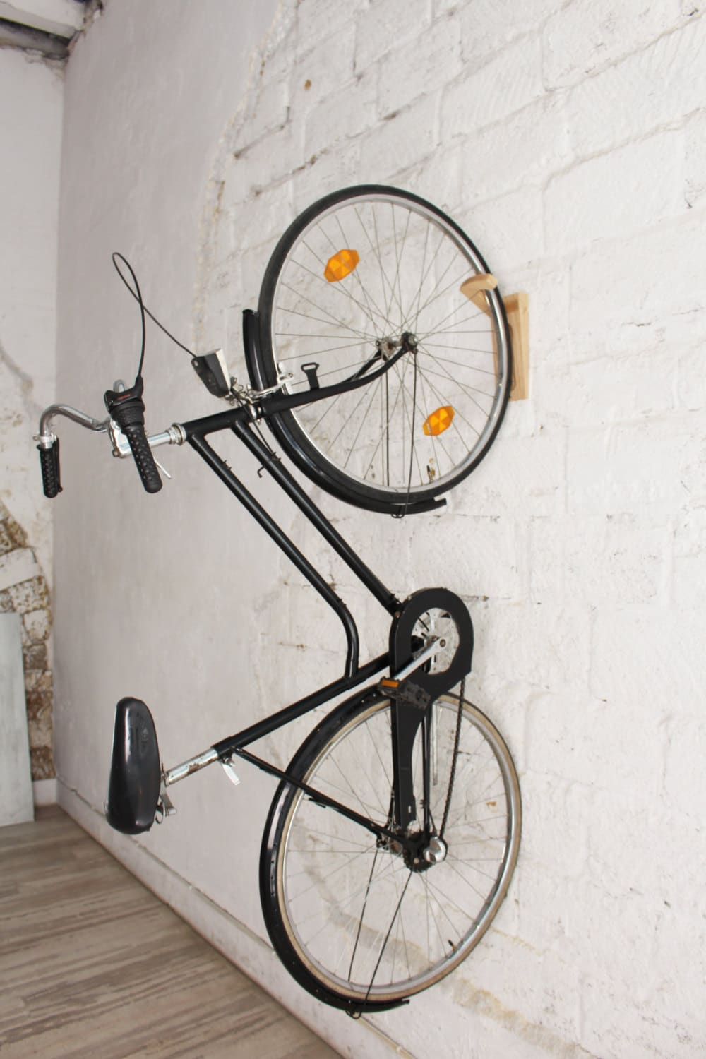 tokyo bike rack bike wall mount wooden wall hooks. Black Bedroom Furniture Sets. Home Design Ideas