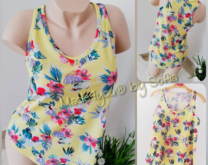 Top, Womens clothing, Tropical clothing