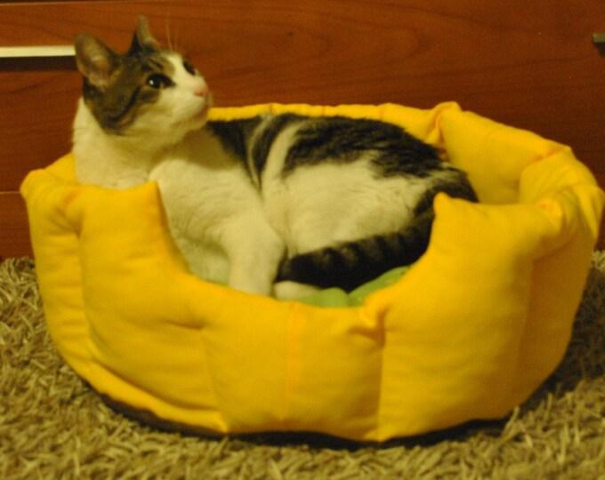 Pet bed, cat bed, dog bed, pet furniture