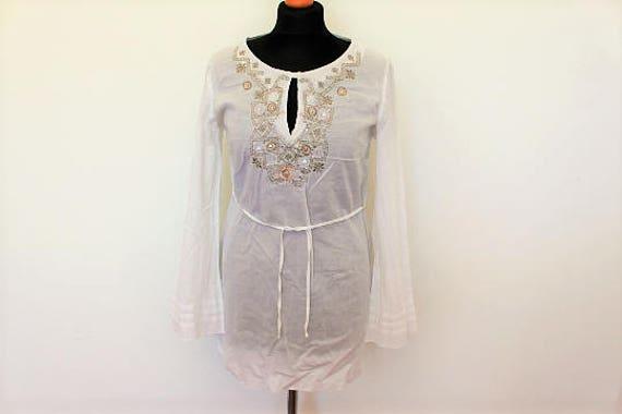 White Cotton Dirndl Blouse Boho Hippie Top Peasant Folk Style Embroidered Feminine Short Sleeve  Medium Size