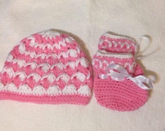 New born crochet hat and shoes
