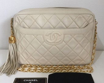 39b4064d0856 Authentic vintage Chanel quilted shoulder bag 80's lambskin golden chain  cream camera bag