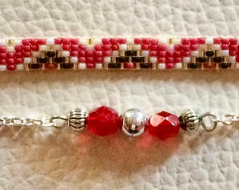 Thin bracelet, minimalist beaded duo