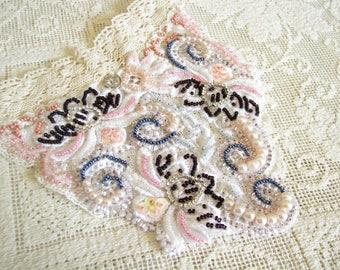 Statement Choker Bridesmaid necklace Lace choker Victorian choker Lace jewelry Romantic choker White choker Gift for her Evening choker Prom