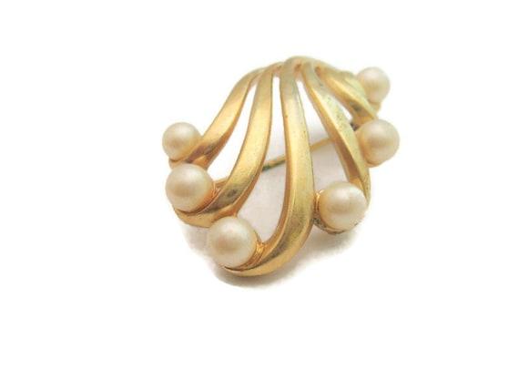 Vintage Pearl Brooch Vintage Faux Pearl Brooch Pe… - image 1