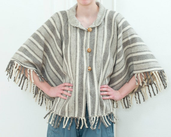 70s gray striped wool poncho | peter pan collar me