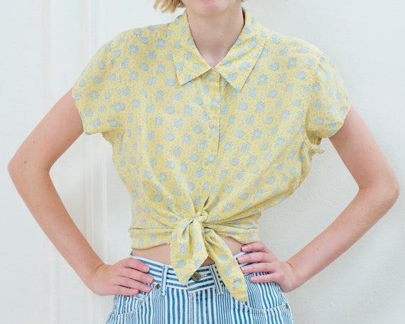 90s yellow silk floral blouse | large ditsy flower