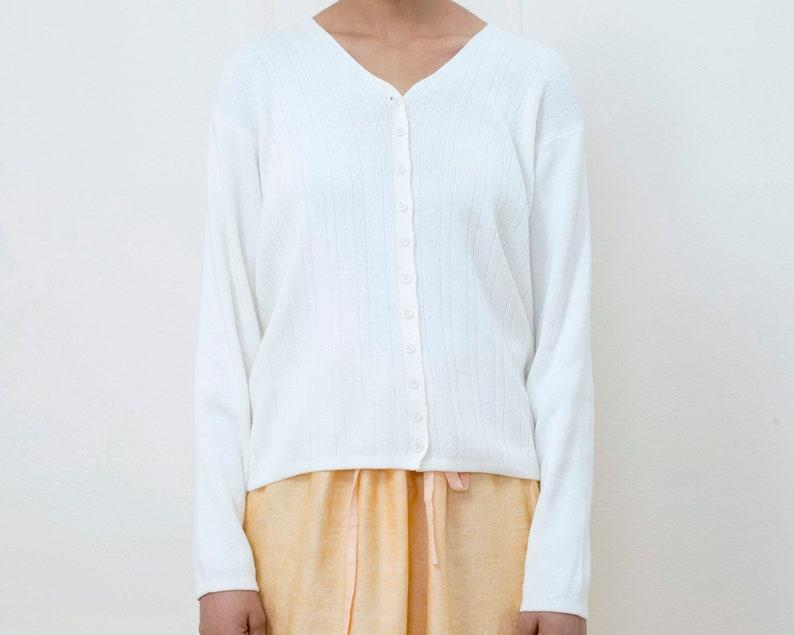 246f175c5b 80s white cotton knit cardigan medium minimalist boxy