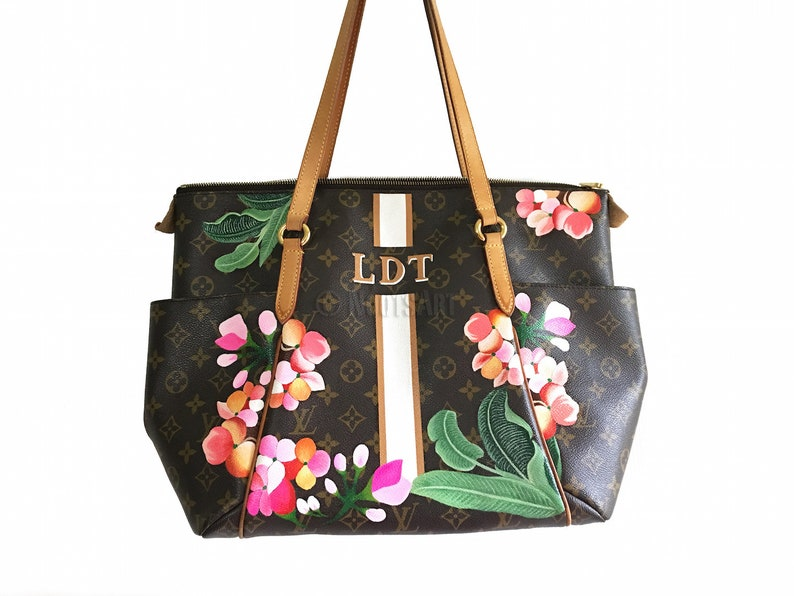 c4b52f8a007a6 Custom handpainted Louis Vuitton bag...Customer provides the