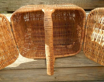 Vintage Wicker Picnic Basket, Leather Strapped Wicker Picnic Basket, Vintage Baskets