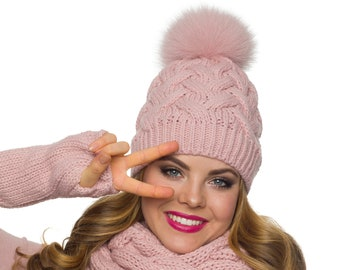 784cce66b8afc Pom pom hat with fleece