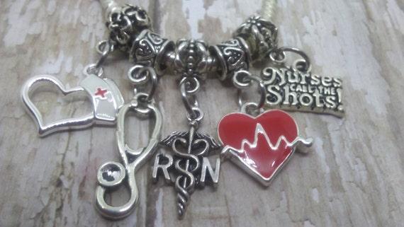 charms pandora infermiera