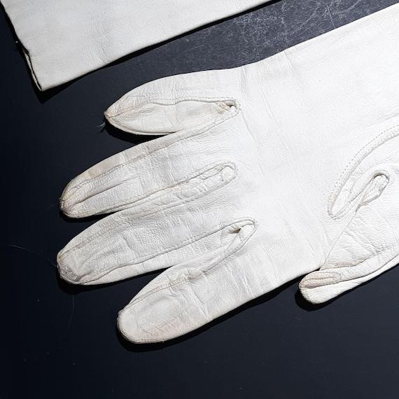 White Kid Leather Gauntlet Gloves Sz 6.5 Vintage … - image 3