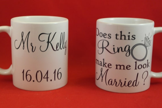 Does this ring make me look maried mug set ideal wedding gift, his and hers mug, Mr & Mrs Mugs