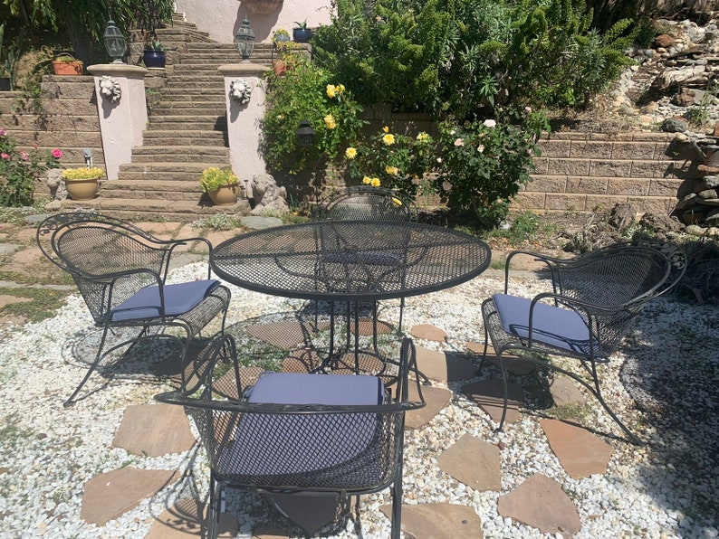 Vintage Woodard Patio Furniture Patterns.Vintage Woodard Patio Set Flower And Leaf Pattern 48 Mesh Table Made Od Wrought Iron Table And 4 Chairs Made In Usa