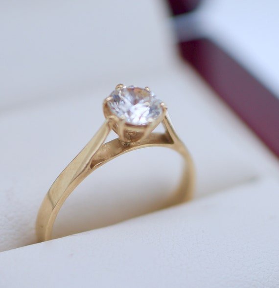 9K Solid Yellow Gold Vintage Jewellery Ring White