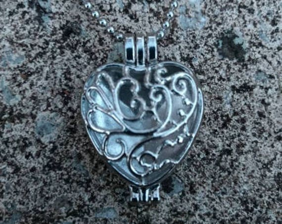 Filagree Boho Silver Heart Locket Aromatherapy Essential Oil Diffuser Necklace Natural Cork Birthday Graduation Gift Young Living Doterra