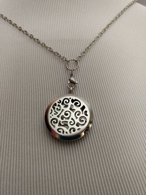 Diffuser Necklace Stainless Steel Locket Cork Aromatherapy Essential Oil Swirls Mothers Day Best Friend Christmas Gift Young Living Doterra