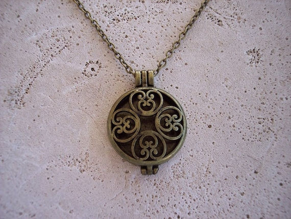 Boho 4 Hearts Locket Bronze Aromatherapy Essential Oil Diffuser Necklace Cork Birthday Graduation Bridesmaid Gift Young Living Doterra