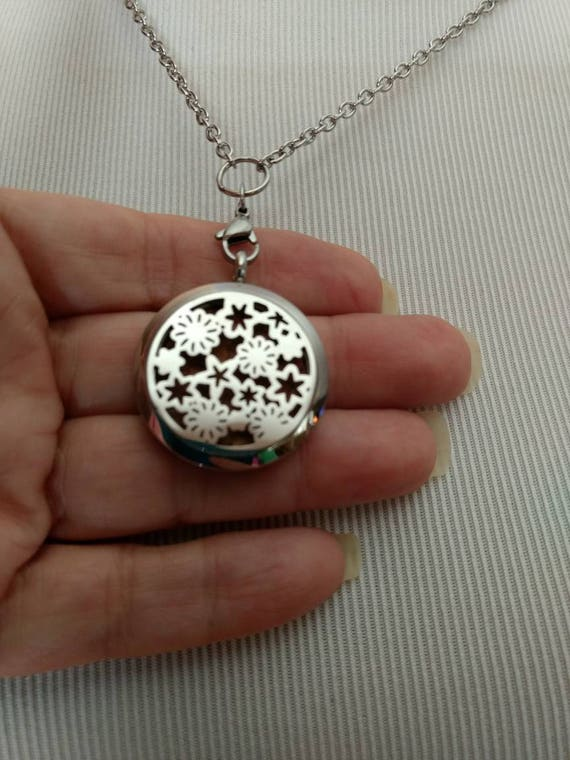 Diffuser Necklace Stainless Steel Locket Cork Aromatherapy Essential Oil Flower Mothers Day Best Friend Christmas Gift Young Living Doterra