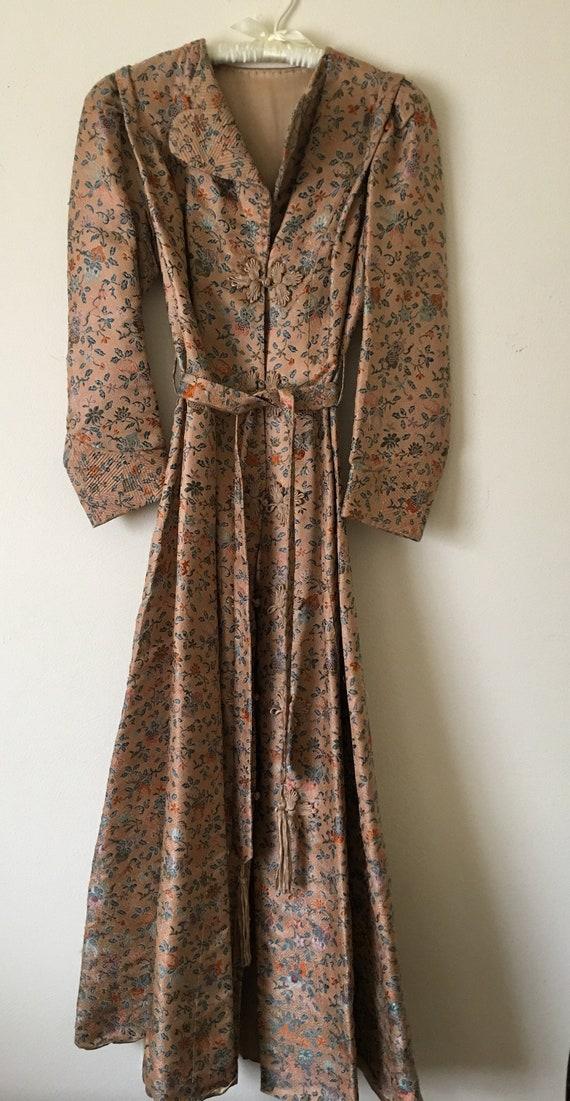 Vintage 1940's Ladies Elegant Dressing Gown Coat