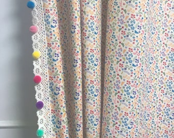 Pom Pom Crochet Edging Trimming Tiny Flowers and Leaves Patterned Curtain