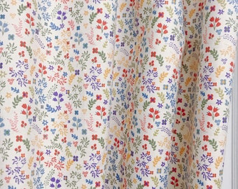 Tiny Flowers and Leaves Patterned Curtain