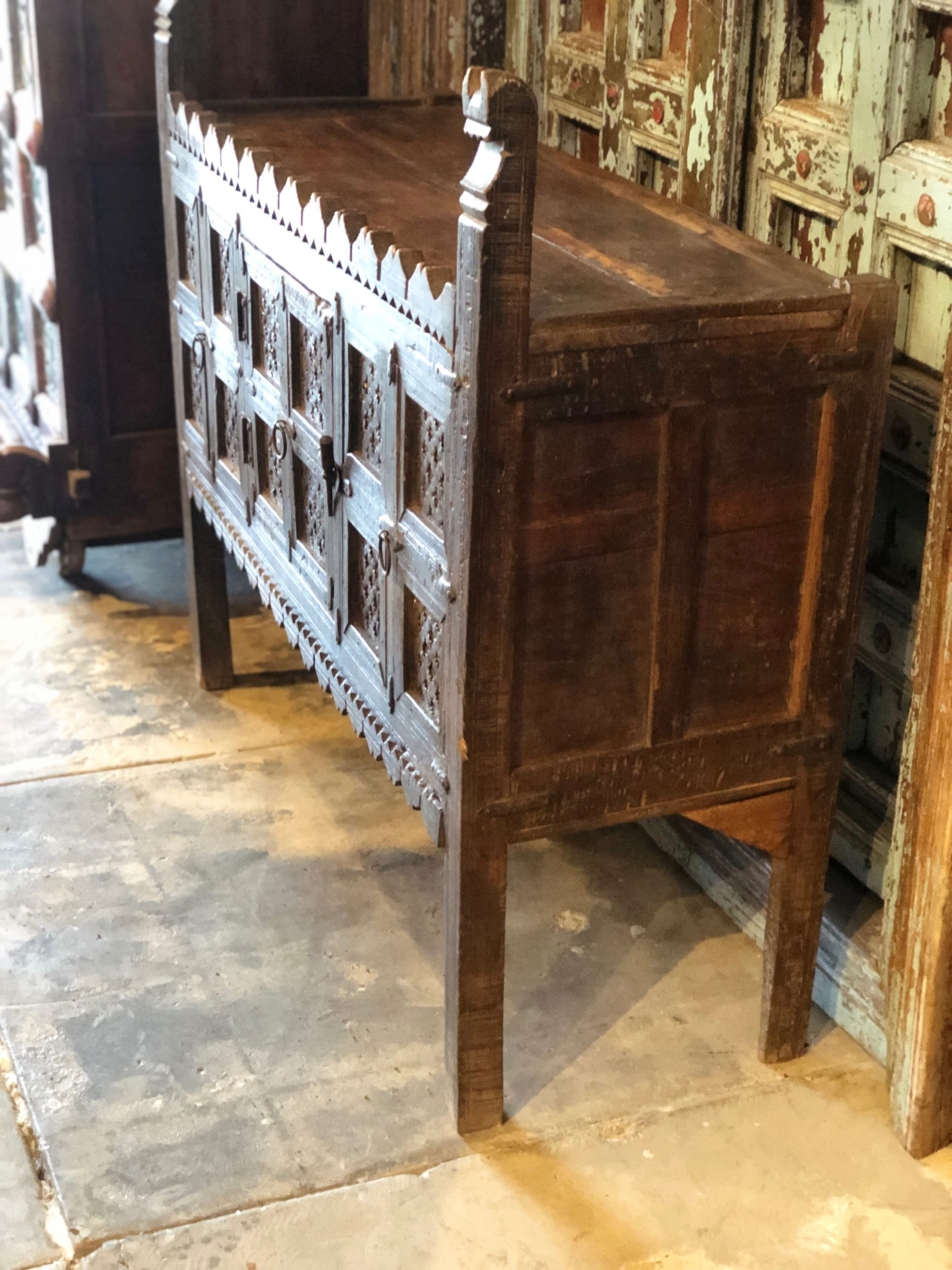 Hope Chest Old damchiya Vintage Furniture reclaimed furniture Indian Dhamchiya Console Table
