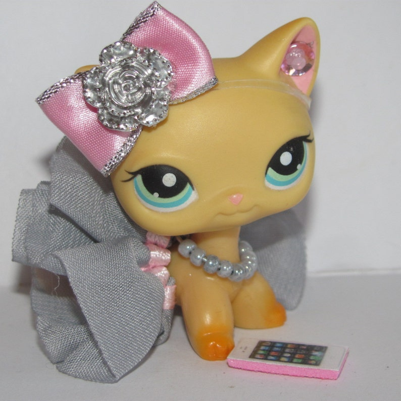 Littlest Pet Shop clothes LPS Accessories 4 Custom Collars  PETS NOT INCLUDED