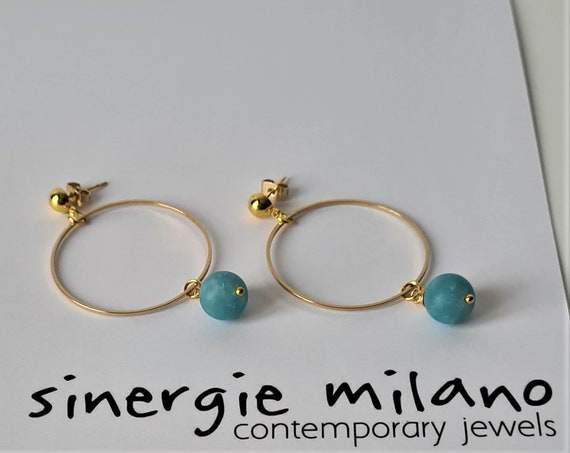 Circle earrings in gold-plated brass, with pearl in Angelite Azzurra. Original gift idea. Trendy and Extravagant Accessories