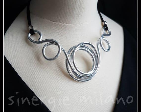 Silver color Aluminum necklace, Central Circle, gift idea, unique piece, artistic necklace, extravagant, refined, anniversary gift