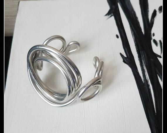 "ALUMINUM BRACELET line ""circles"" - aluminum jewelry - silver bracelet - rigid band bracelet - contemporary - bright"