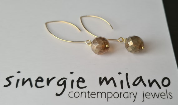 Beautiful and charming Pendant earrings with Czech glass pearl, in Suede, Lilac or Light Blue colors. Elegant and very light!