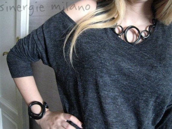 Black jewelry: necklace and bracelet with unique charm and elegance! Bold and refined. Nonconformists. Design Synergies Milan. Gift idea.