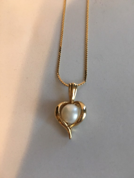 14 k pearl in heart necklace