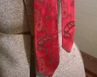 Vintage skinny tie- red and black paisley