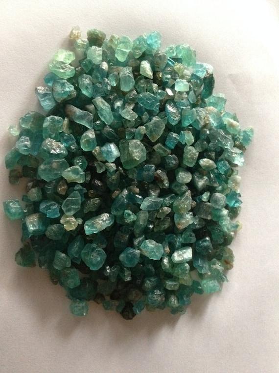 Apatite raw gem  crystals minerals gem raw 4mm to 15x11 100 pcscrystals reiki healing gemstones