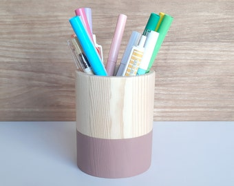 Wooden pencil holder. Dark pink makeup brush organizer. Minimalist wood pen stand. Pencil cup for nordic desk.