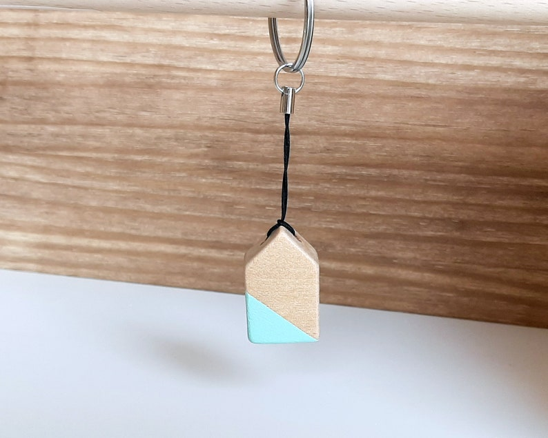 Wooden tiny house key ring Mothers day gifts ideas Best image 0