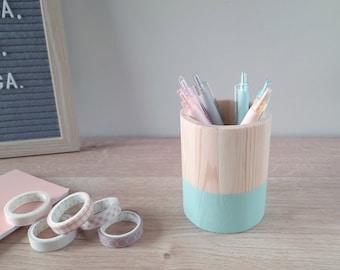 Minimalist wooden pencil holder. Nordic pen cup for desk. Geometric wood pen pot. Minimal makeup brush organizer. Scandinavian office decor