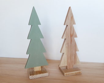 Wooden tree in nordic style, ideal for a minimalist and scandinavian decoration. Perfect for the baby's room. Great for Christmas