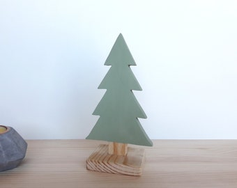 Minimalist wooden tree, perfect for decorating a nordic style living room or a woodland nursery. Great for Christmas